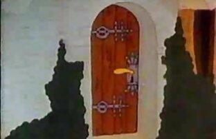 ডিজনি স্নো হোয়াইটকে ভালবাসে! নগ্ন সৈকতে হট লেডি