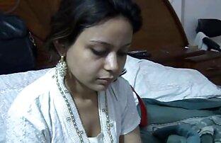 সেক্সি স্বর্ণকেশী ভেরোনিকা খান তার স্বামীর সাথে সেক্স করেছেন। ভগ সেক্স ভিডিও